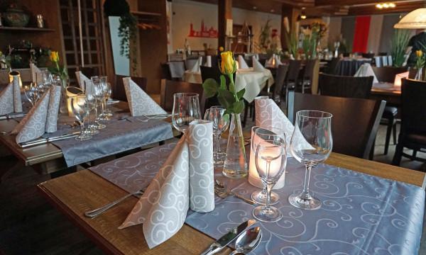 Gedeckter Tisch im Brenner Hotel